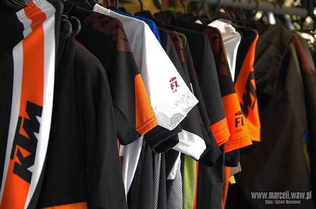 koszulki rowerowe KTM , spodenki rowerowe KTM , kurtki rowerowe KTM , buty rowerowe KTM , kaski rowerowe KTM , rękawiczki rowerowe KTM
